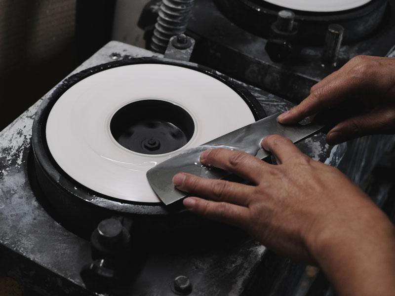 包丁・ハサミ・工業刃物の研ぎ直し